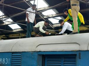 Train Robbery: 5 crores found missing